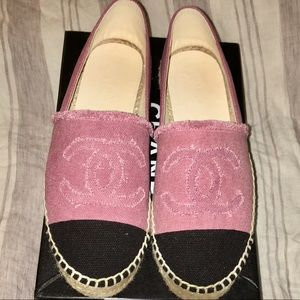 NWT pink and black cloth Chanel Espadrilles